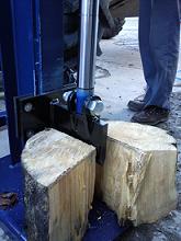 14T Hydraulic log splitter.small