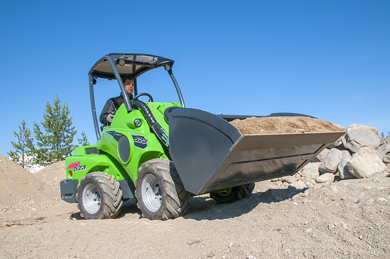 Avant 523 compact loader with bucket